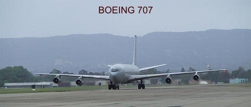 airplane photos boeing 707